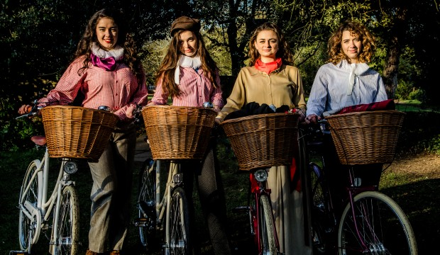 The HandleBards With Baskets (High Resolution)-2